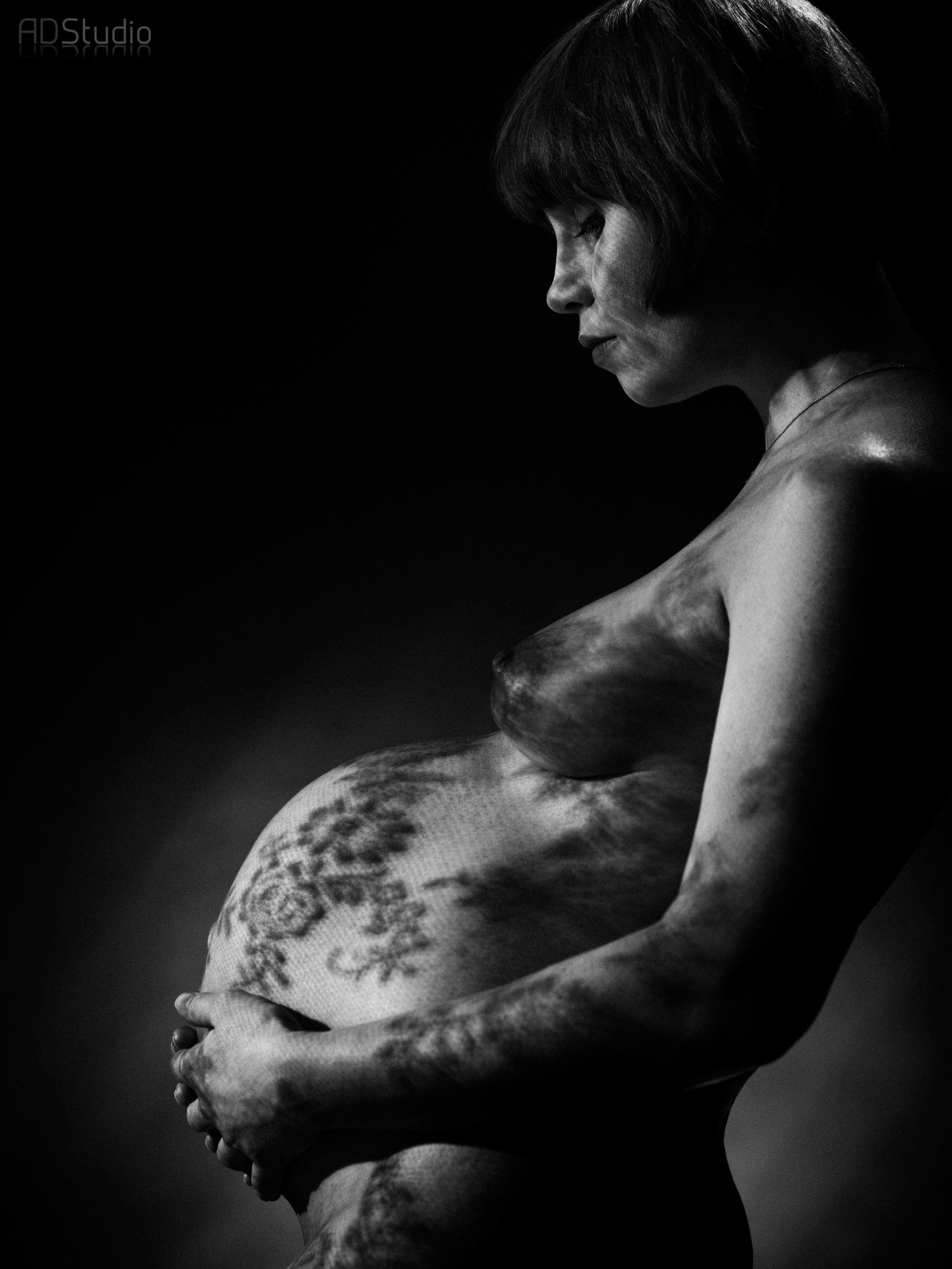 fotografia ciążowa - portret w ciąży wykonany w ADStudio Warszawa