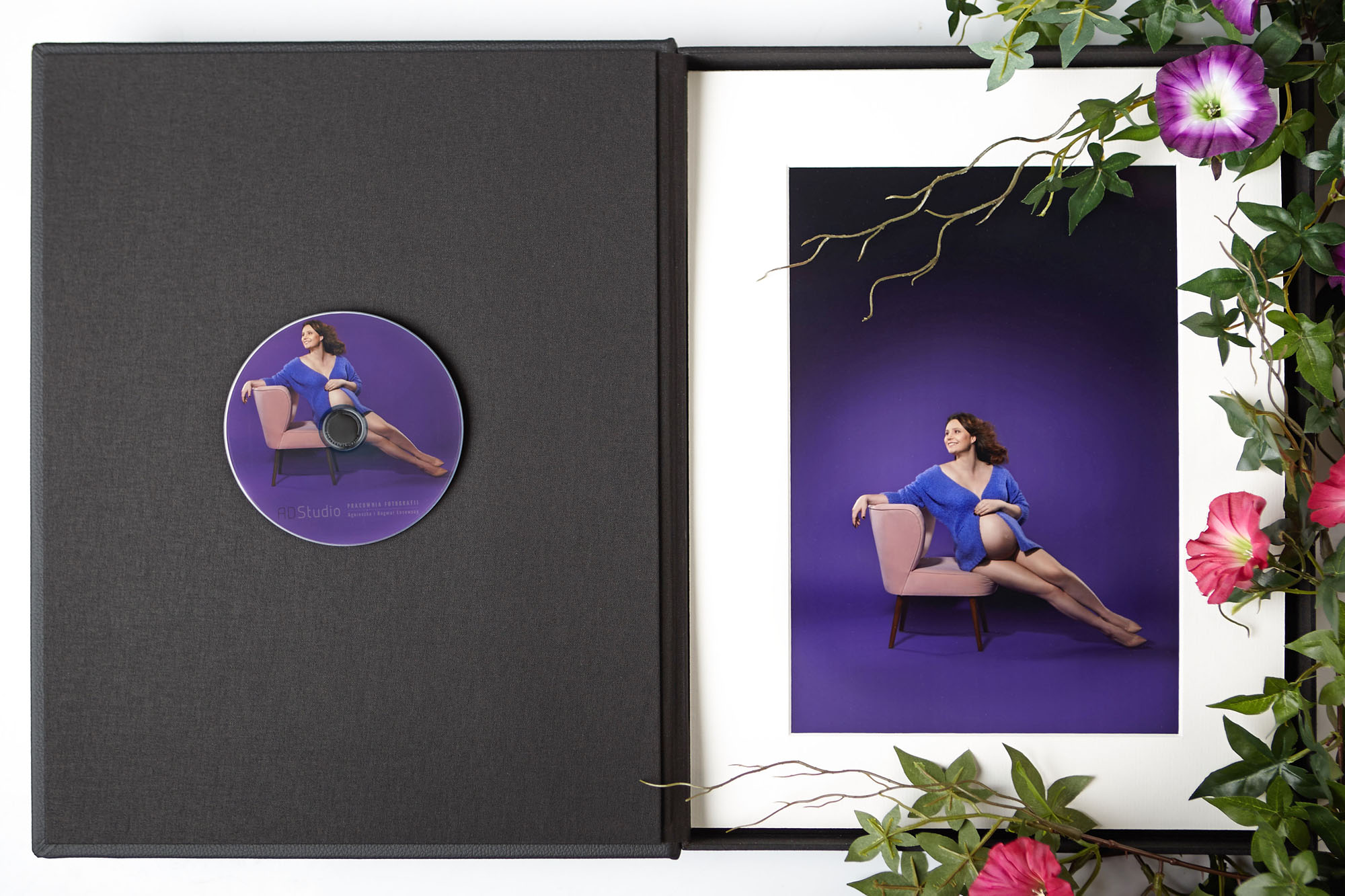 zdjęcia z sesji ciążowej w eleganckim pudełku dla Klientów