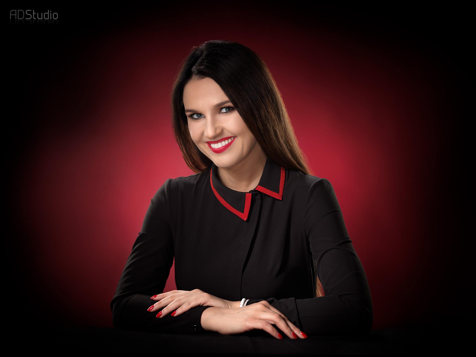 fotografia biznesowa mlodej kobiety