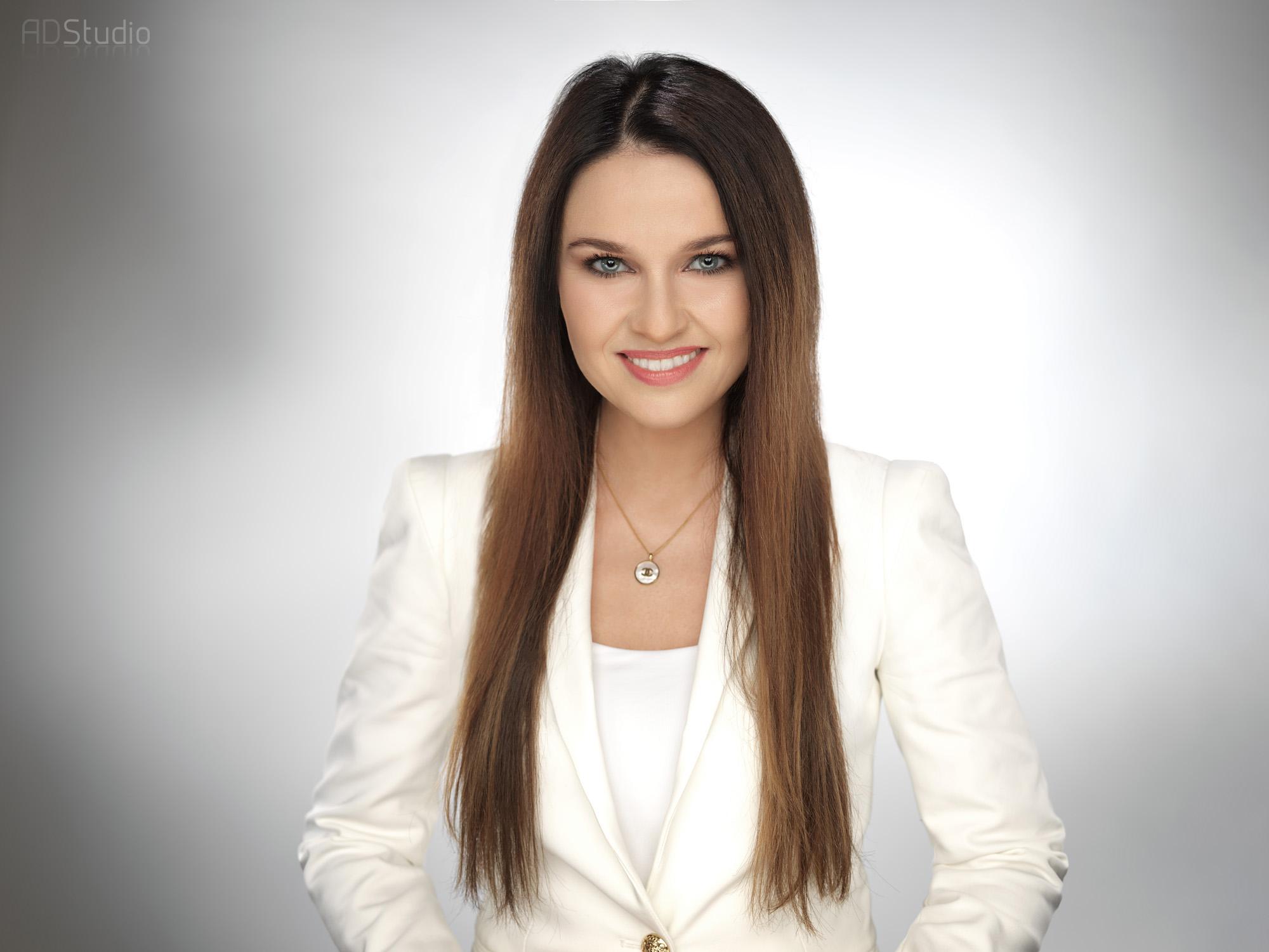 zdjęcie biznesowe młodej kobiety